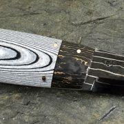 Kniv med damaskblad