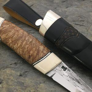 Kniv av valbjerk og mamut