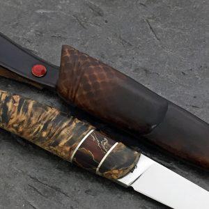 Kniv i valbjørk