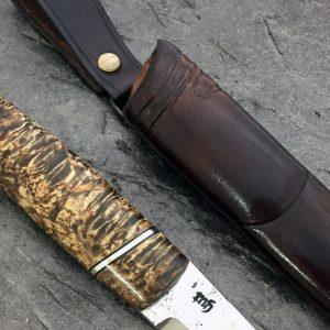 Kniv med valbjerk skaft
