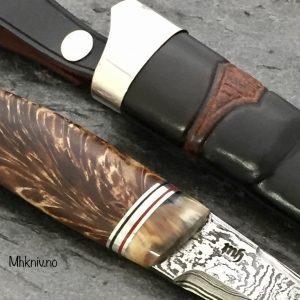 Kniv av Valbjørk og mamut