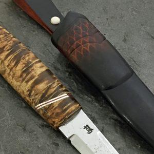 Kniv av valbjørk