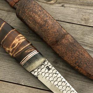 Kniv med bein fra mamut